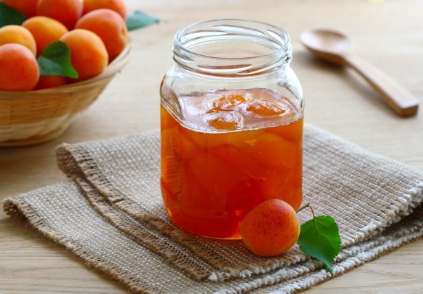 Рецепт абрикосового варенья: запасемся вкусом лета на зиму
