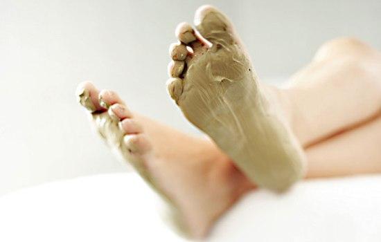 Домашние рецепты отшелушивающих масок для ног с солью, кофе, корицей, луком. Как отшелушивающие маски для ног сделать более эффективными