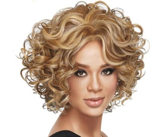 7 женских причесок, которые привлекательны для мужчин. Какую причёску сделать на свидание: кудри, гладкий хвост или пучок
