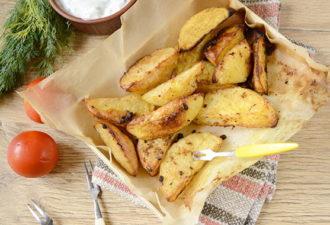 Картошка в духовке по-селянски c пикантными специями