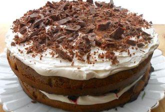 Простой домашний торт со сливочным кремом