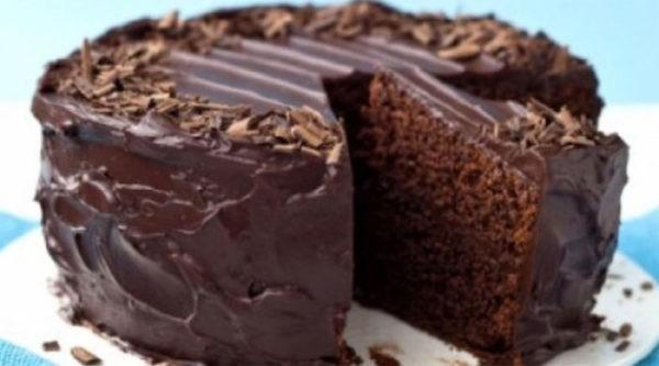 Шоколадный пирог без яиц: супер-влажный и супер-вкусный! Минимум продуктов, минимум времени