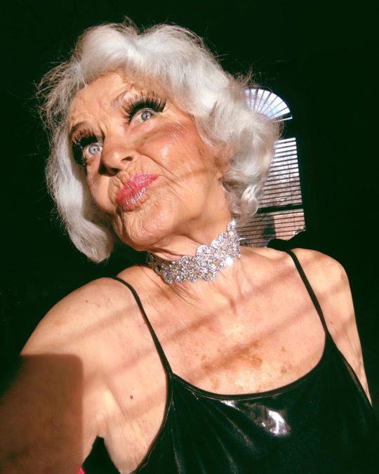 90-летняя бабушка с миллионами подписчиками в инстаграме готова бросить вызов звездам первой величины!