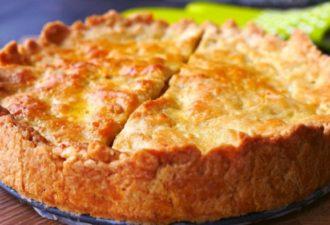 Нежный пирог с капустой, который съедается за минуту