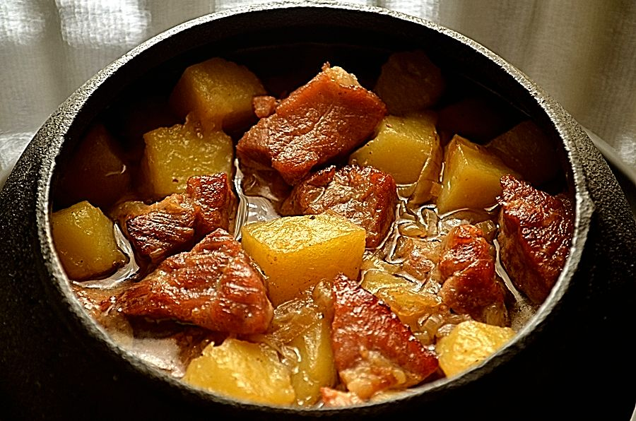 Блюда в горшочке — 9 отличных рецептов