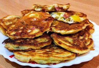 Пицца - оладьи на завтрак. Быстро, вкусно, красиво!