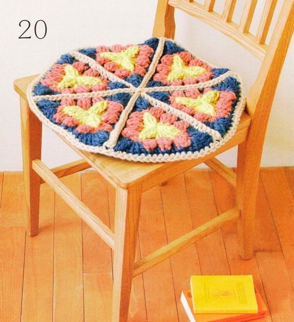 Нарядные подушки-сидушки и коврики на сидения своими руками