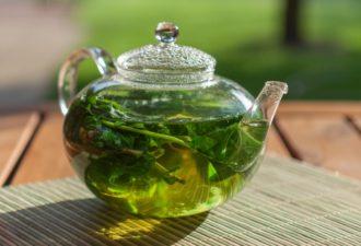 От вздутия, отёков и ожирения поможет мятный чай!