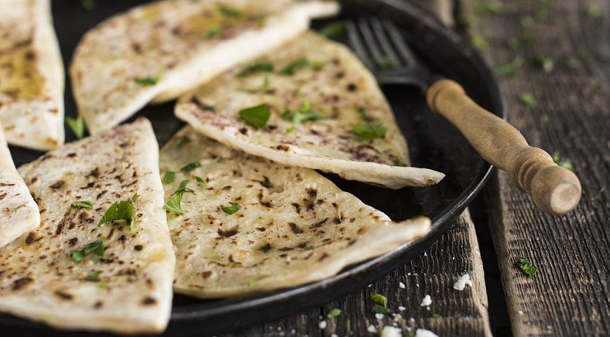 Афары - пирожки, которые жарят на сухой сковороде. Очень вкусные!!!