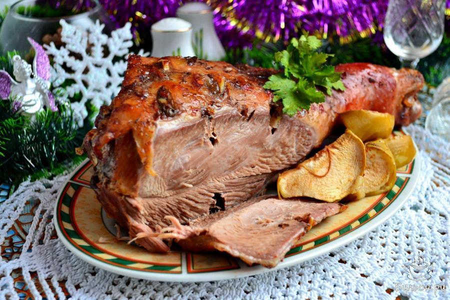 Запеченное мясо к праздникам. Несколько идей.