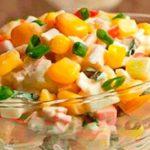 Для любителей крабовых палочек - рецепты 4 разных салатов