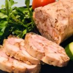 Домашняя рубленая куриная колбаса.
