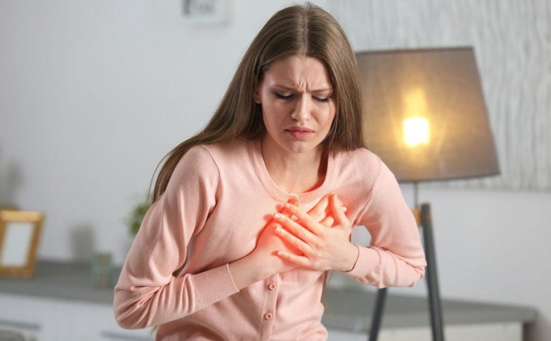 Первая помощь при сердечном приступе, если вы дома сами.