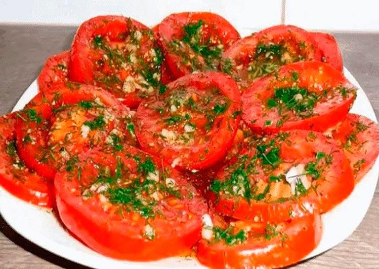 Быстрые маринованные помидорчики. Отличная закуска.