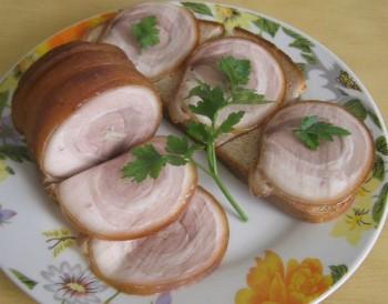 Неимоверный рулет из свиной грудинки. Безумный запах и невероятный вкус