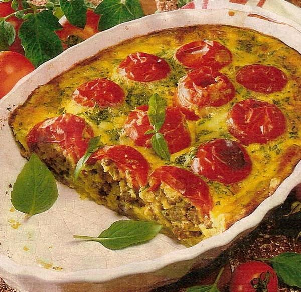 Французский пирог с фаршированными помидорами.